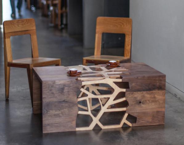vertakkende walnoot tafel