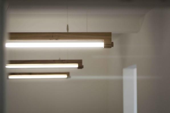 Badkamer Design Lamp : Minimalistische LED TL lamp Ninebyfour van ...
