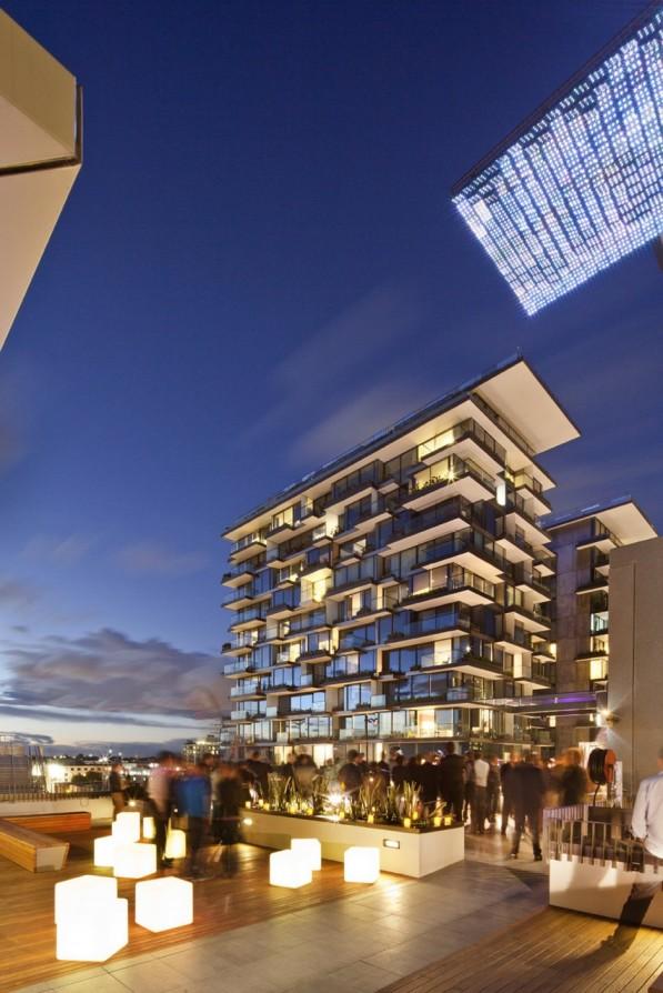 Sea-Mirror-lichtkunstwerk-Sydney