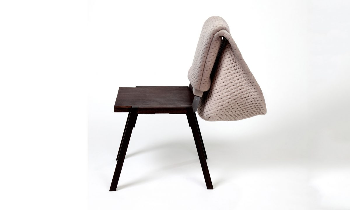 Chair Wear Hoodini naturel stoelhoes met capuchon by Bernotat & Co