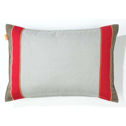 Catu kussen grijs rood - andere kant bruin grijs -  Imperfect design