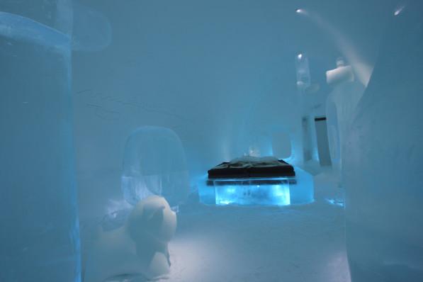 MINI-deluxe-suite-ICEHOTEL-Zweden-Wouter-Biegelaar
