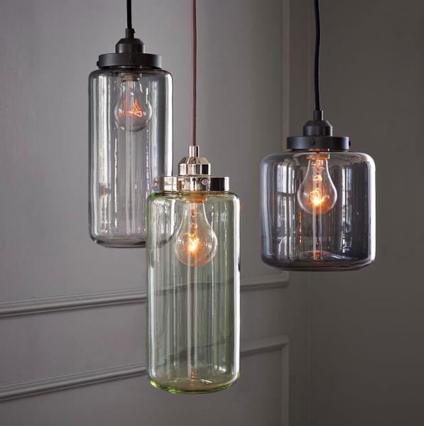 Glazen potten als hanglampen