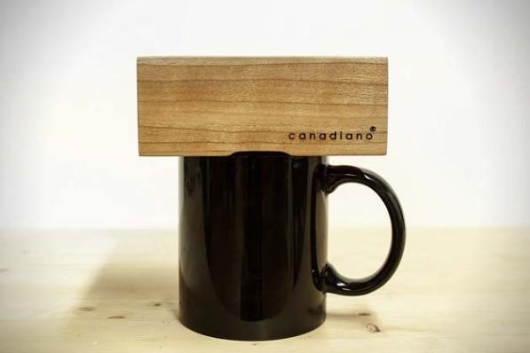 Houten minimalistische koffiezetter van Canadiano