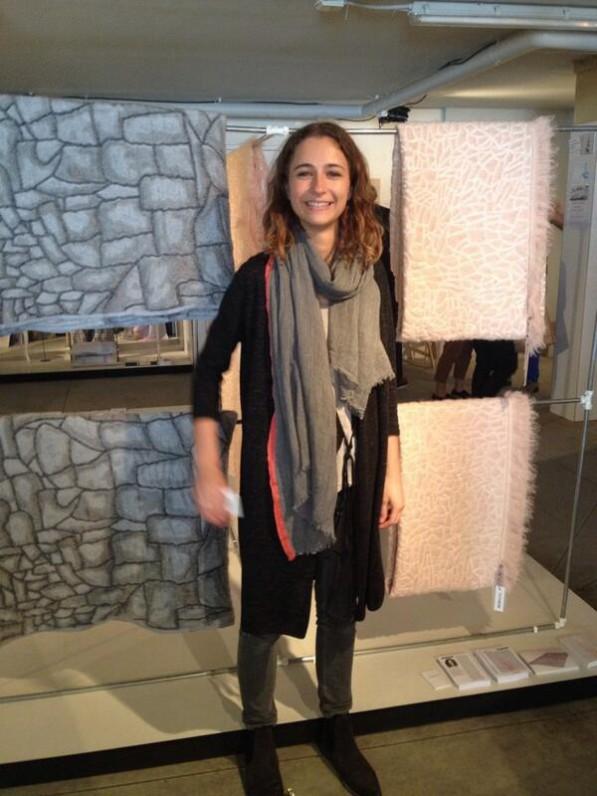 NIenke Hoogvliet met Hide kleden in Milaan _ foto Gimmii