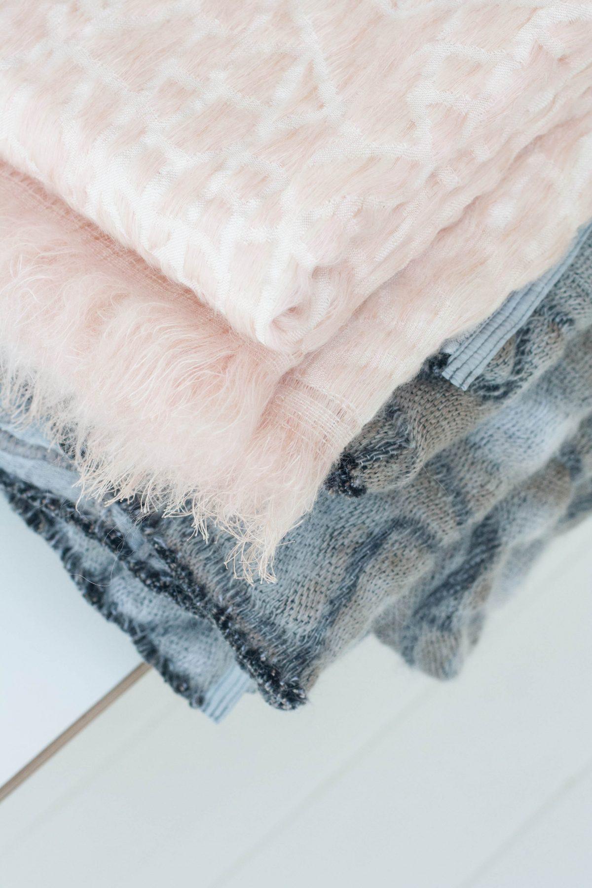 Hide dekens roze en grijs Nienke Hoogvliet-foto Holy Marder