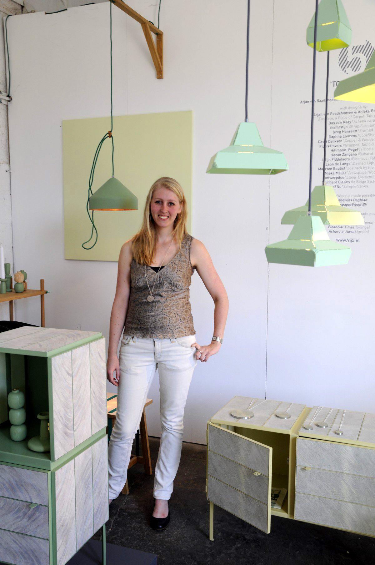 Vij5 Anieke Branderhorst met Dashed Lights en Lloop lamp groen in Milaan_Foto Gimmii