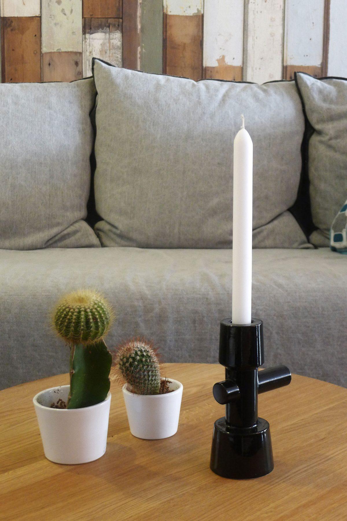 BASE Candlestick interieur zwart van Kranen Gille voor Cor Unum