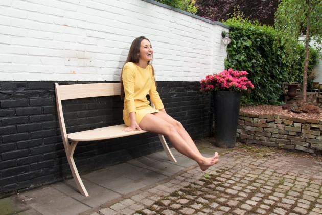 Tuinbank van gelakt eikenhout