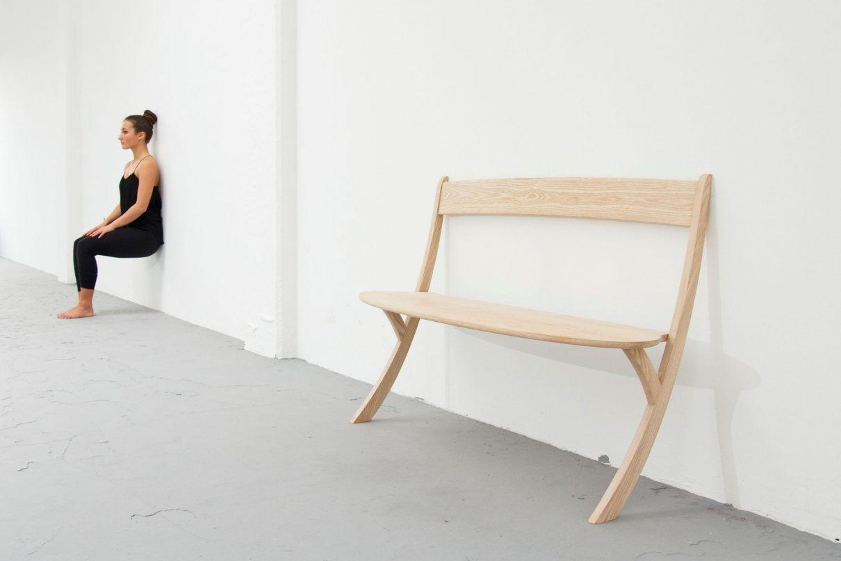Lenige Leaning Bench van Izabela Boloz