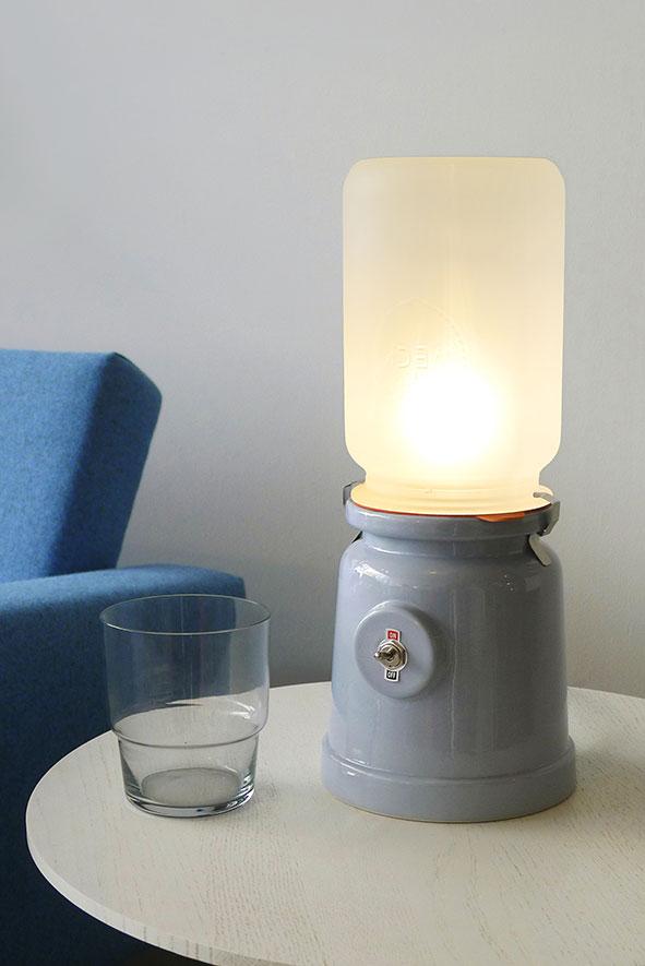 Meck lamp van Kranen & Gille blauw voor Cor Unum