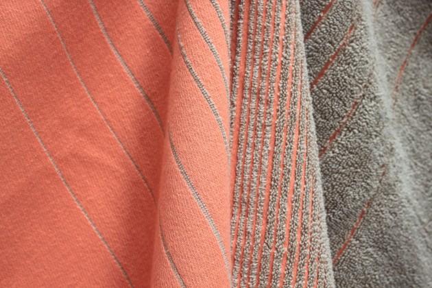 TwoTowel detail pink-beige handdoek én theedoek in één van Vij5
