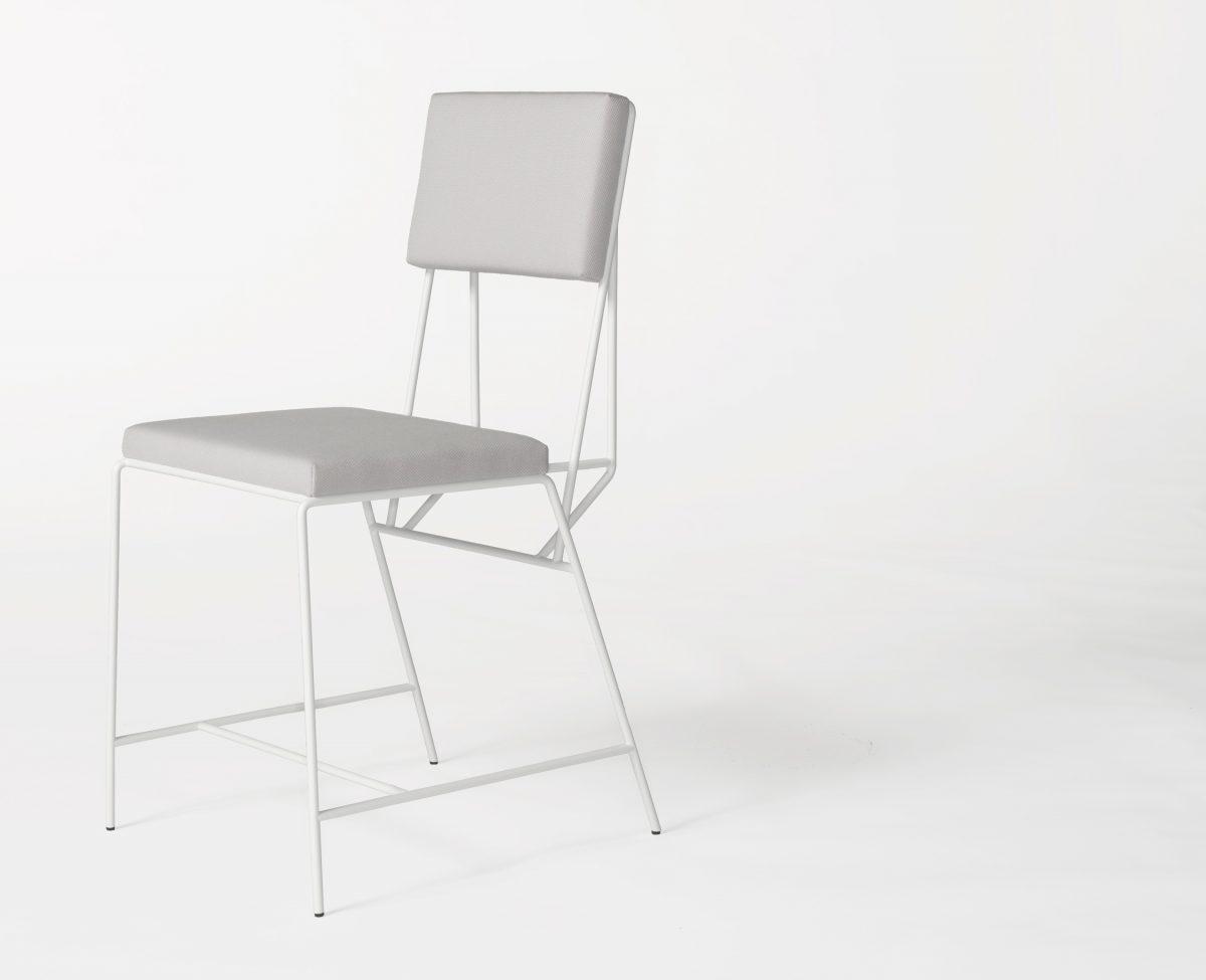 Hensen stoel met kussens van New Duivendrecht design Kranen/Gille