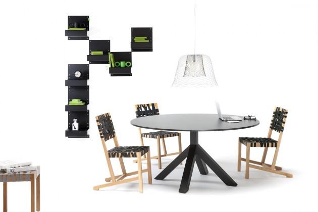 Gispen Dukdalf table tafel rond zwart met Berlage stoelen en Slingerland lamp