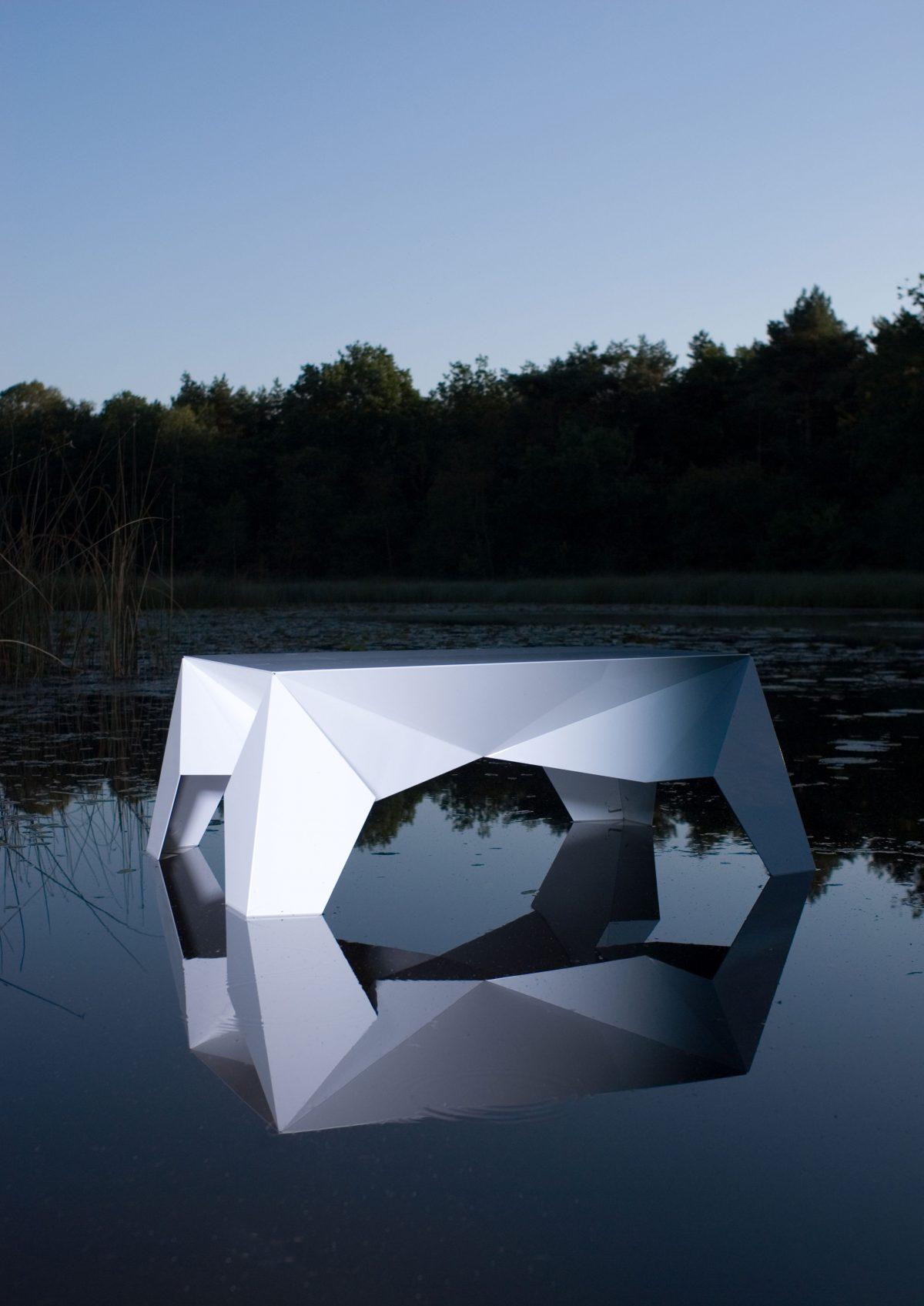 Sputnik side table by lake Sander Mulder