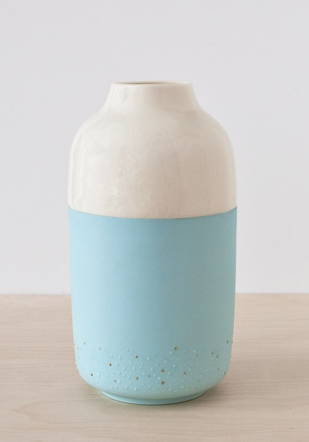 Dot vase porcelain