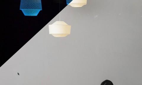Ontwerpduo Loena Lantern hanglamp dag nacht