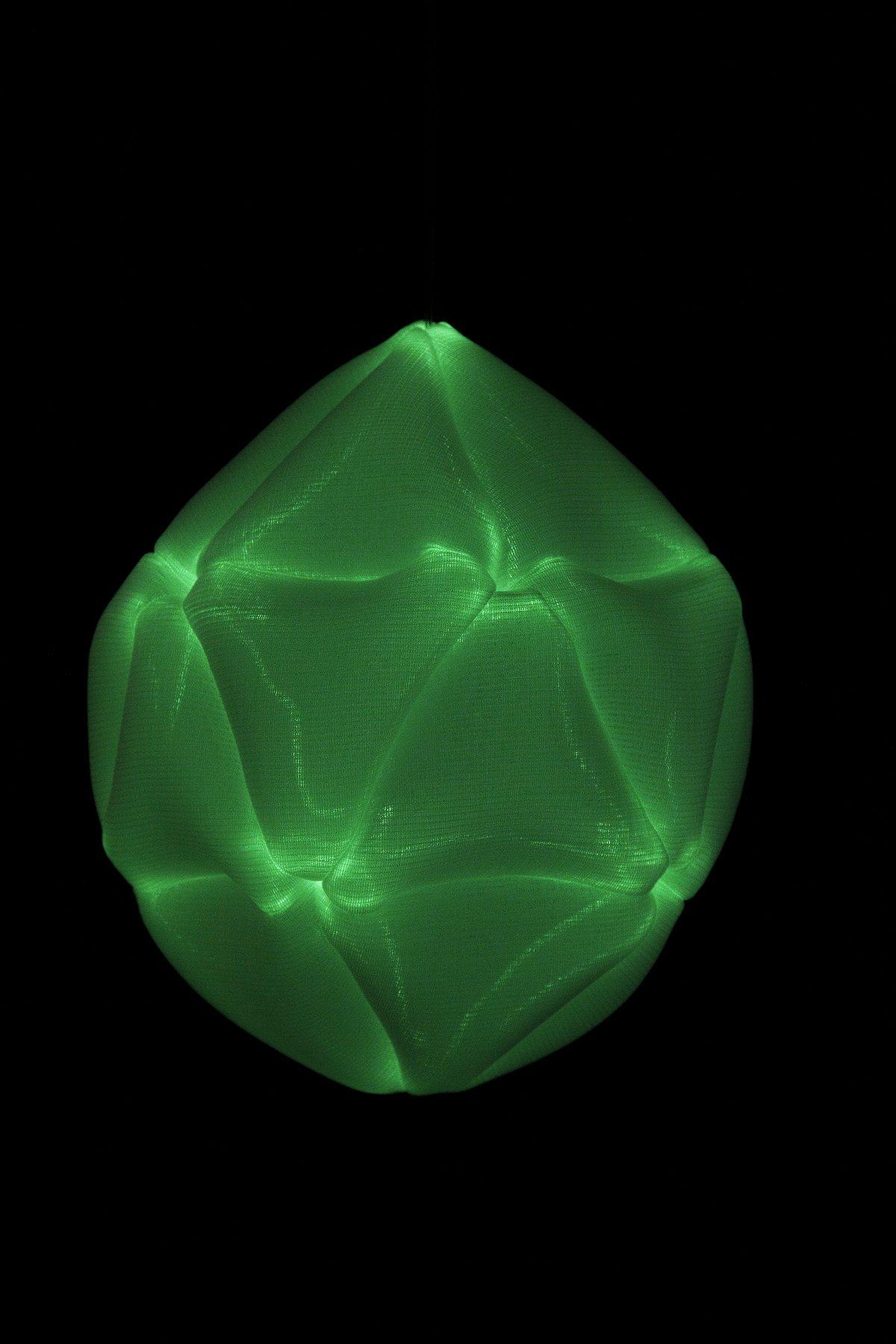 Radiolaria Metamorphosus lucidus glow-in-the-dark hanglamp van Bernotat