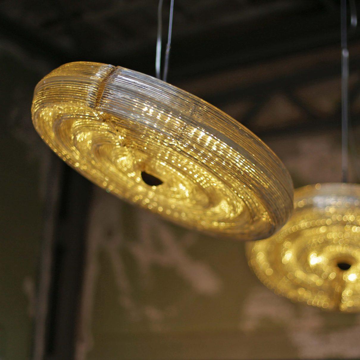 Buitenaardse sferen met Fresnel hanglamp