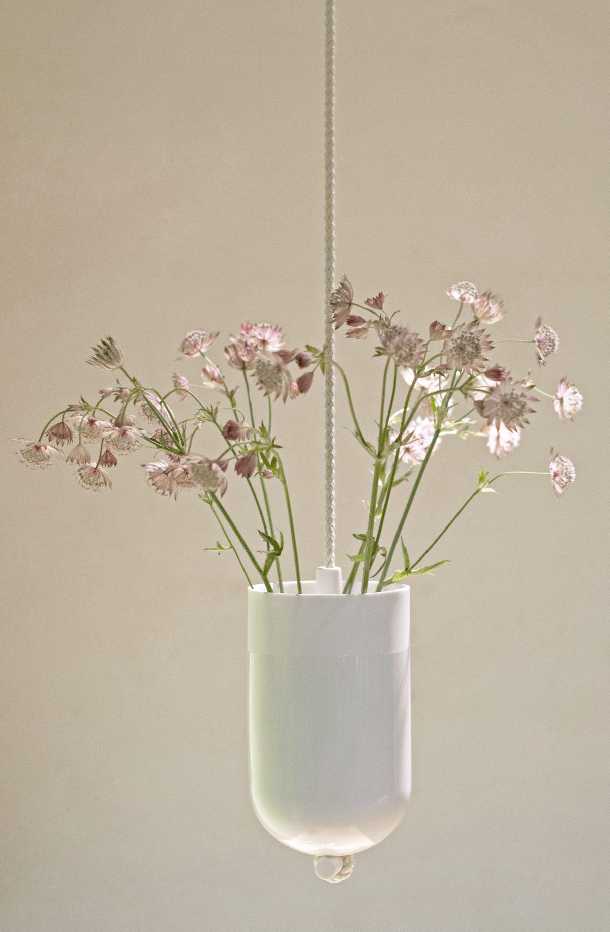 Lotte-Douwes-Spatial-Vase-wit-White