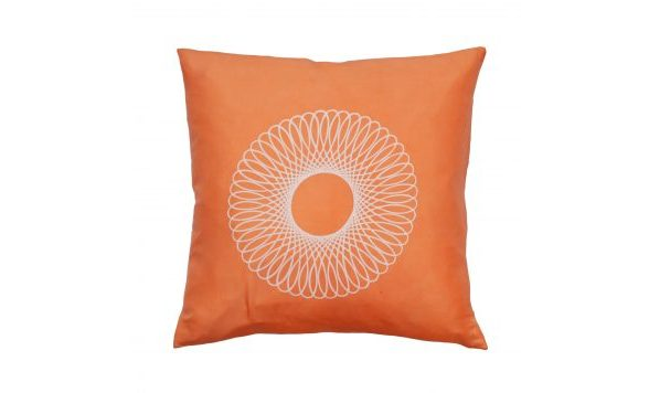Rubia Silk kussen glanzend perzik diep oranje 50 x 50