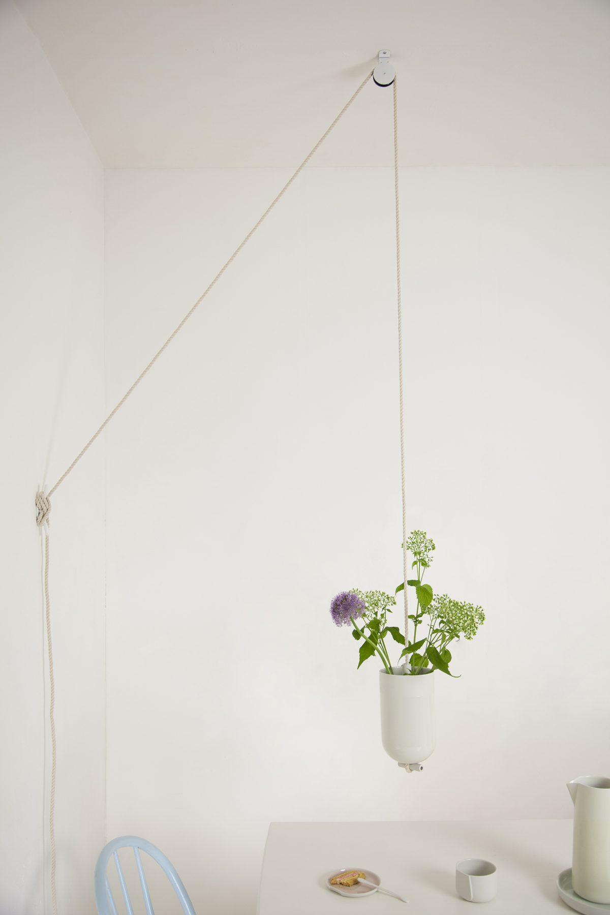 Spatial vase setting Lotte Douwes – gimmiishop