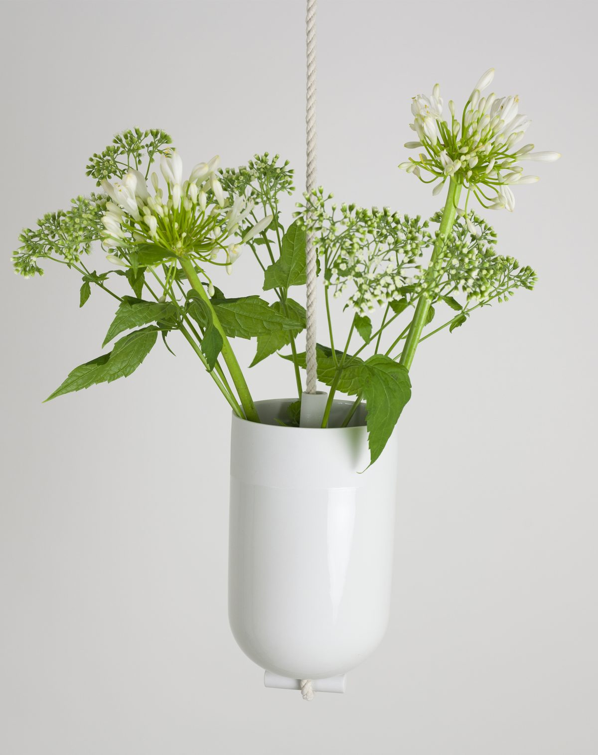 Spatial vase white flower LotteDouwes – gimmii
