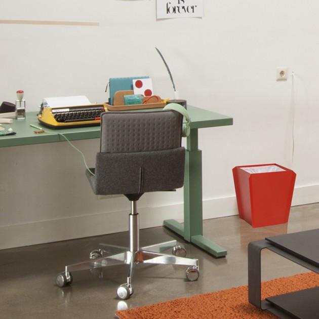 Steeltop Triennial table binit prullenbak bin Gispen