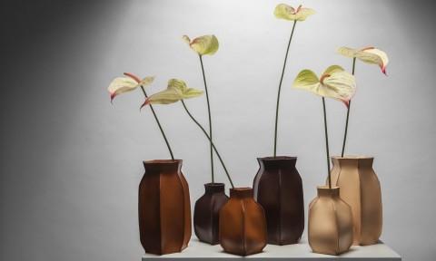Studio Roex Plumbers Piece vazen met bloemen