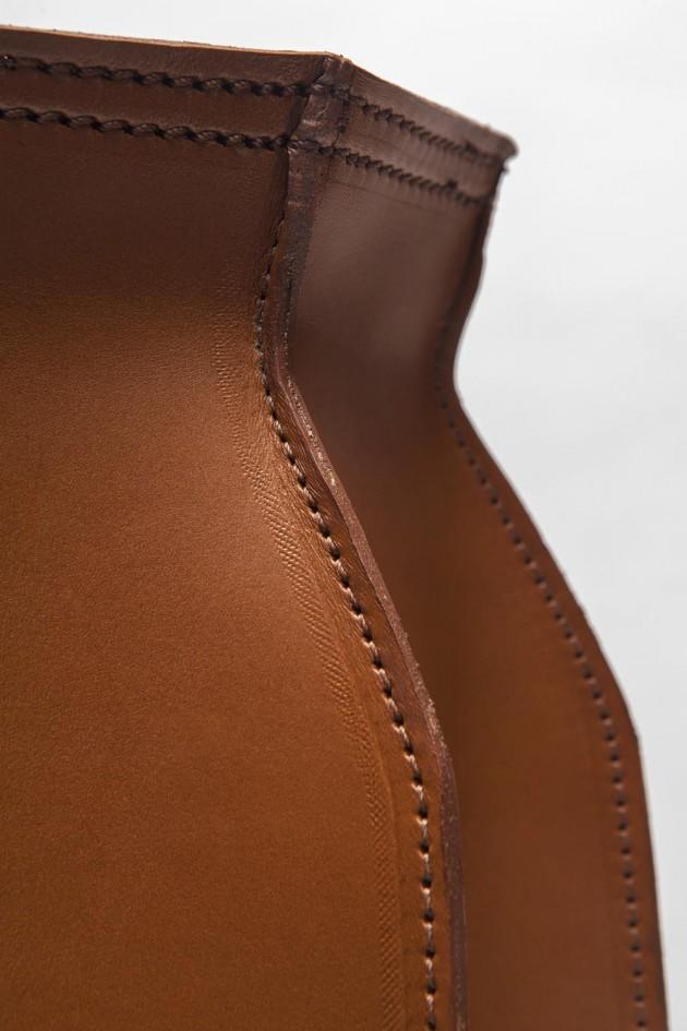 Studio Roex Plumbers Piece vaas cognac detail
