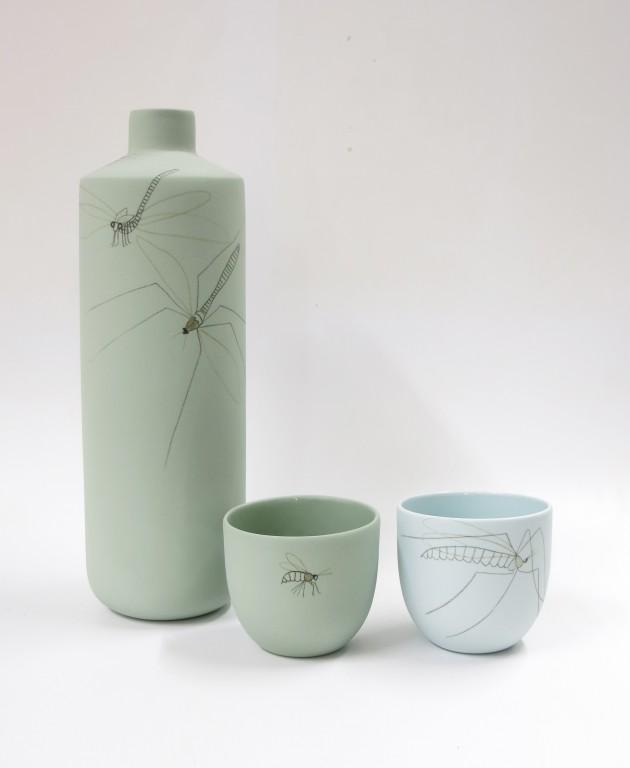 sets Waterkan insect met kopjes Elke van den Berg: set 1 Waterkan insect groen met groen kopje en lichtblauw kopje