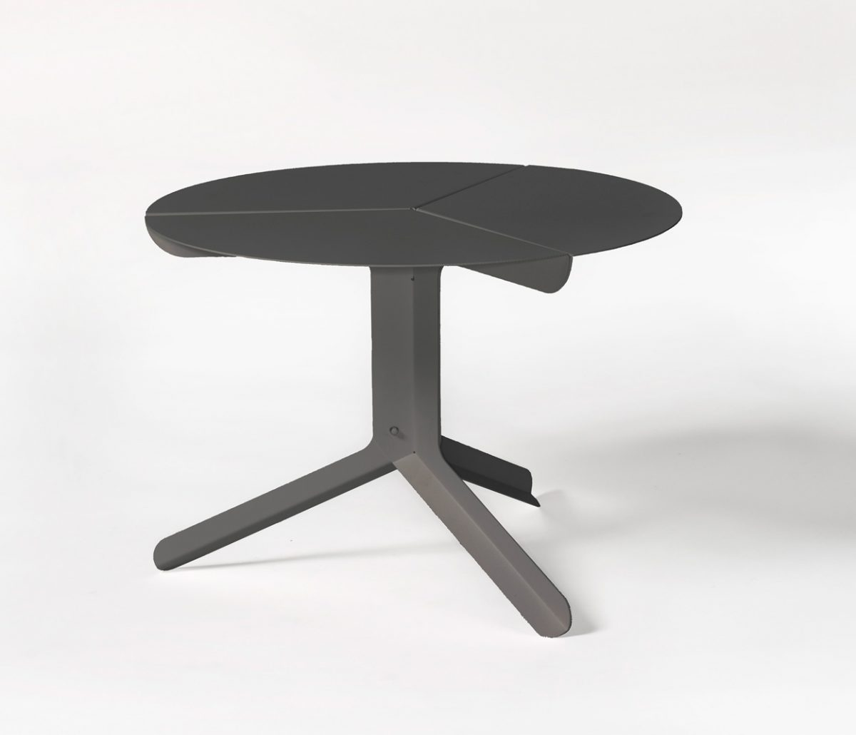 Frederik Roije for New Duivendrecht sliced table low bijzettafel zwart – gimmii shop Dutch design