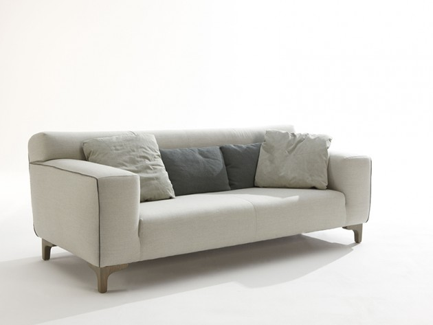 Kris couch by Label