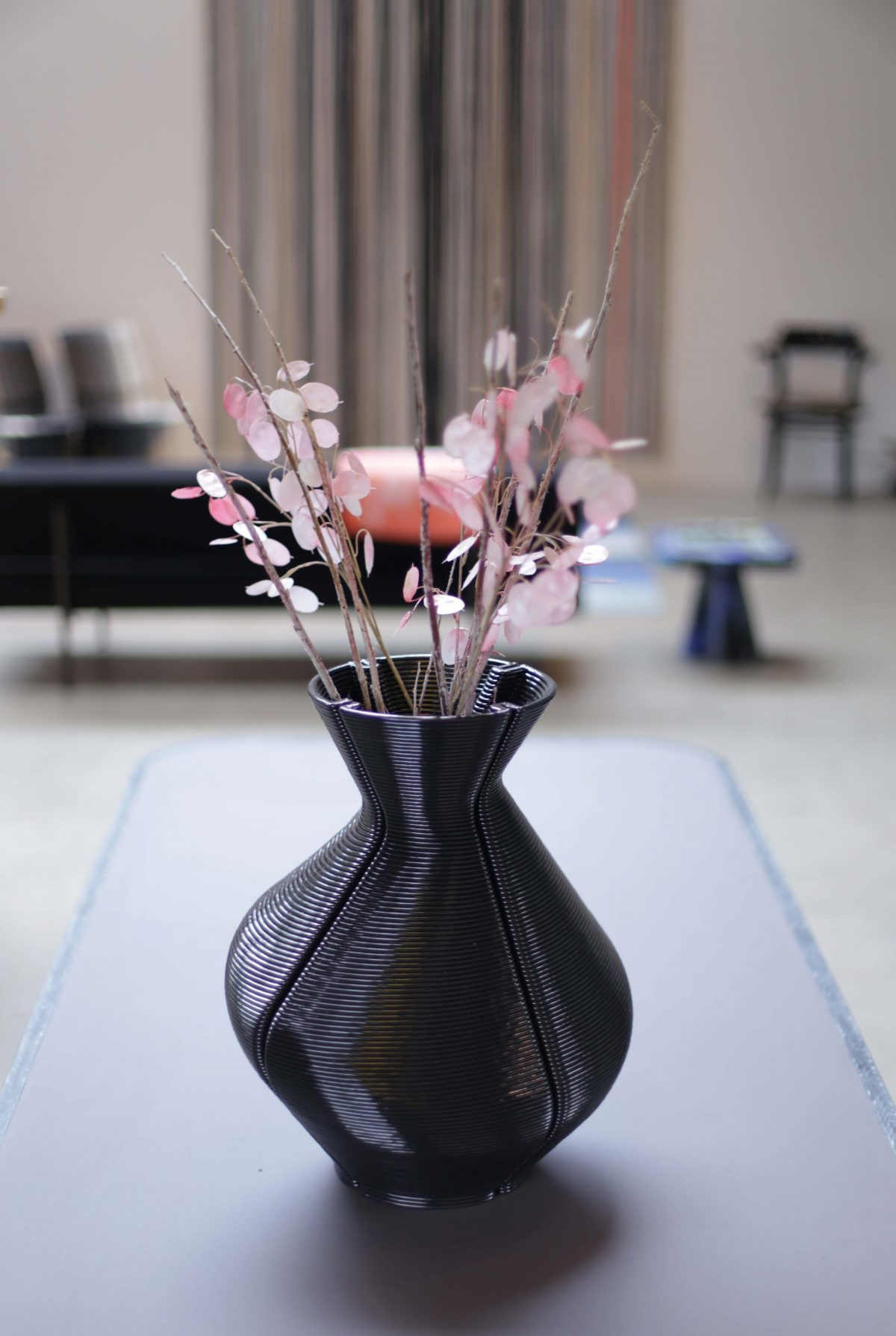 3D printing Changing Vase, Black. Photo Studio Dirk Vander Kooij (1)