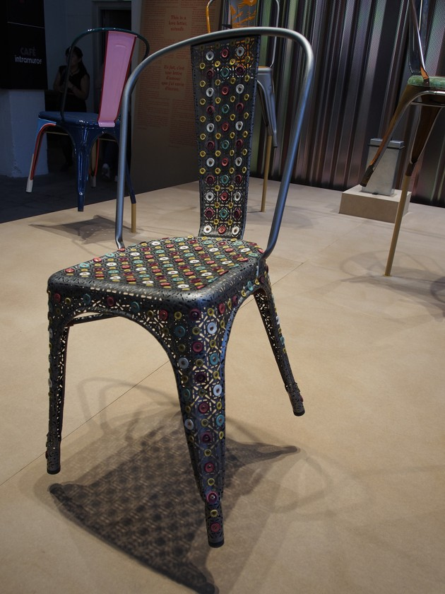 A Chair, Face to face with an icon