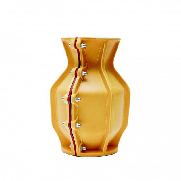 Carter Vase Floris Hovers for Cor Unum Yellow