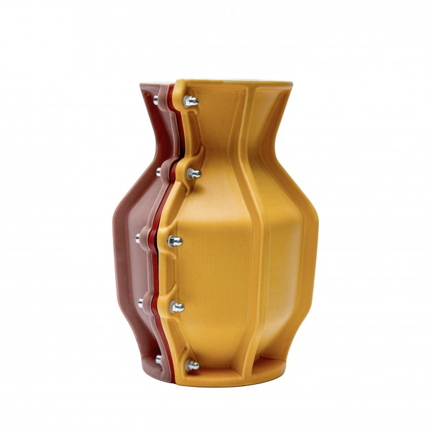 Carter Vase Floris Hovers for Cor Unum Yellow brown