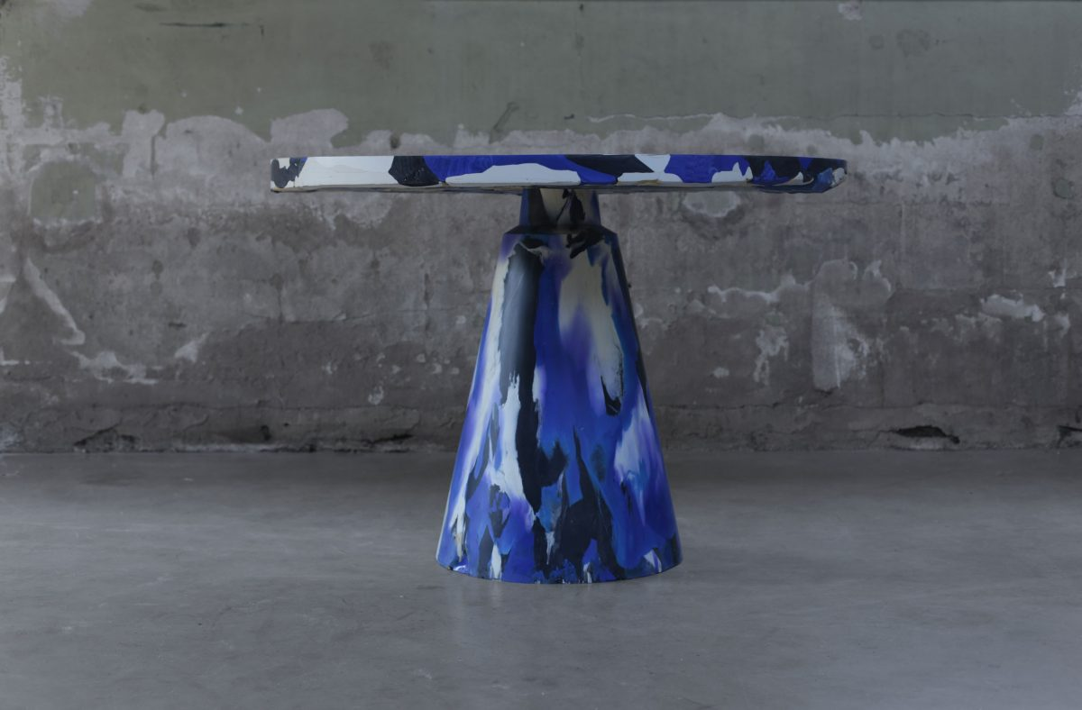 Melting Pot Table Blue Devil colours Blue, Black and Natural. Photo Studio Dirk Vander Kooij