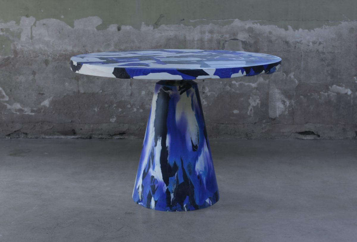 Melting Pot Table colour Blue Devil (Blue Black and Natural) Photo Studio Dirk Vander Kooij