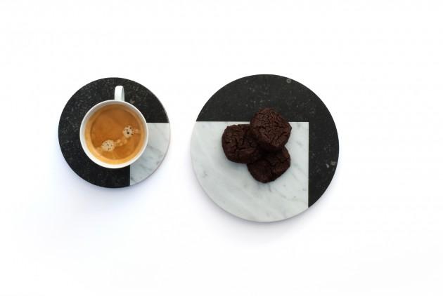 VENN-VIEW marmer rond medium ØV032 en small ØV033 koffie Jorrit Taekema
