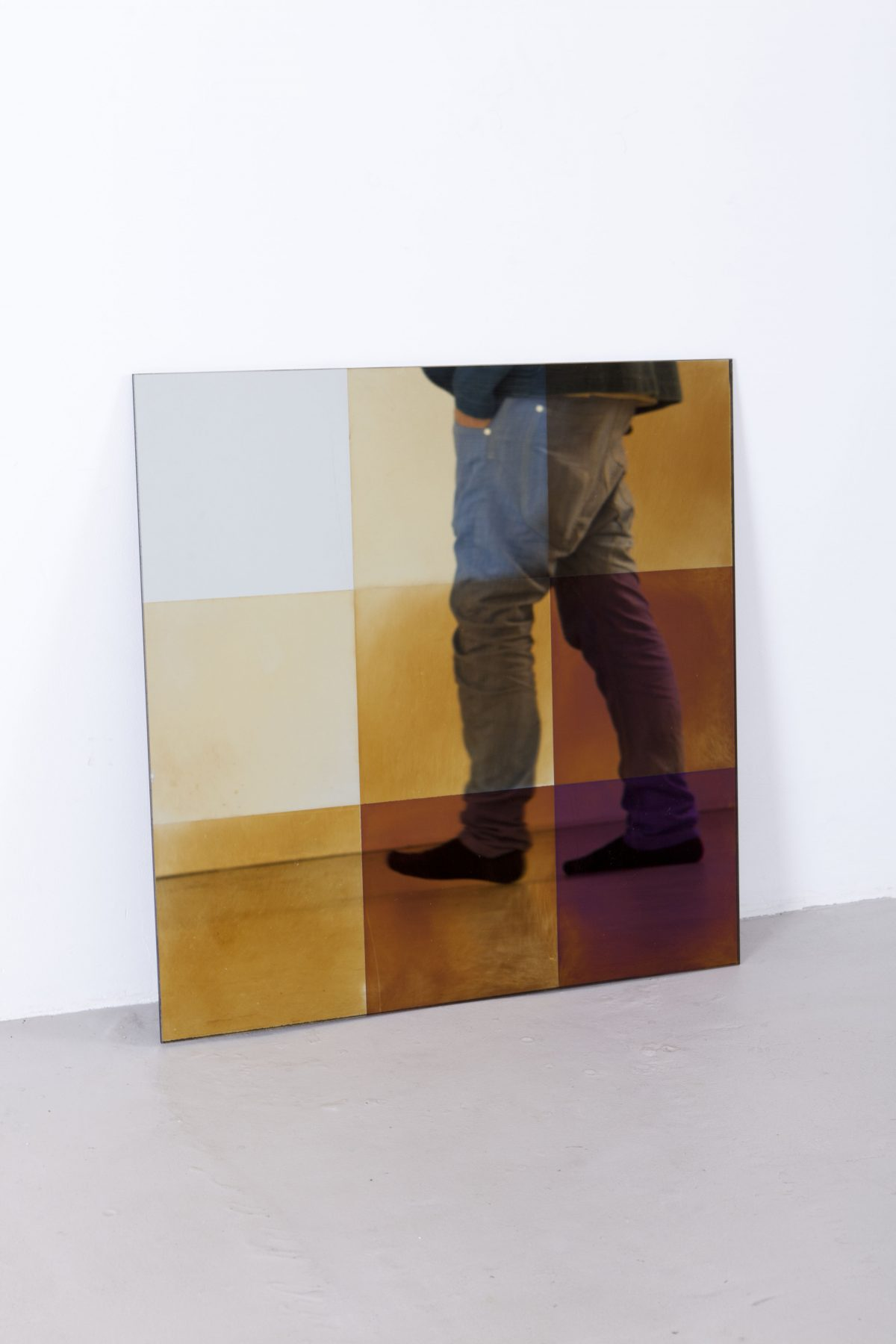 Transnatural Transience mirror square + feet design Pott & Derksen photo floor knaapen