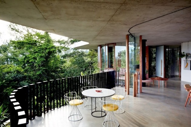 Deck planchonella house jesse bennett architect