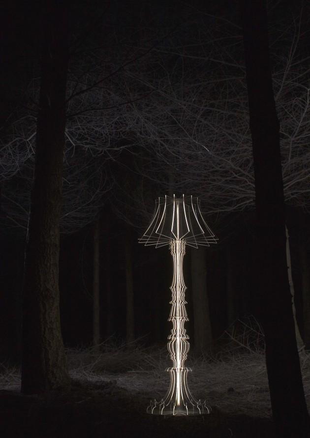 Josephine floorlamp Sander Mulder forest portrait