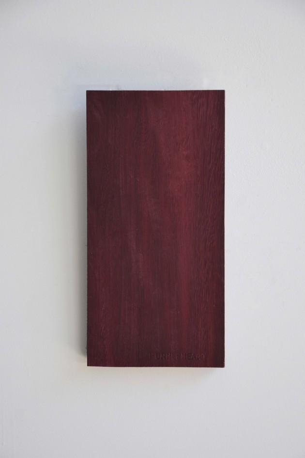 ROOD WOOD SAMPLES 04 Purperhart hout wandaccessoire design: rENs