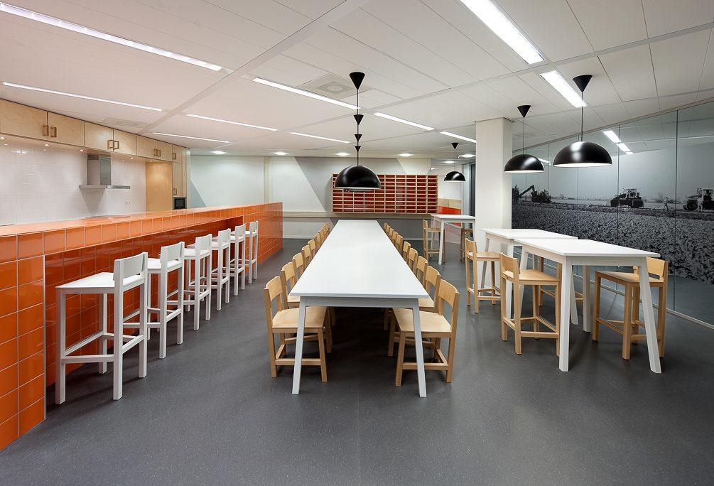 Atelier van Lieshout Lensvelt AVL Shaker Barstool KWS Infra
