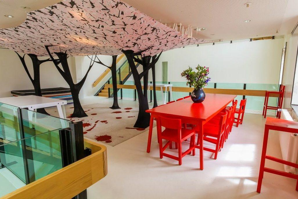 Atelier van Lieshout Lensvelt AVL Shaker Chair Lloyd Hotel Amsterdam – Gimmii