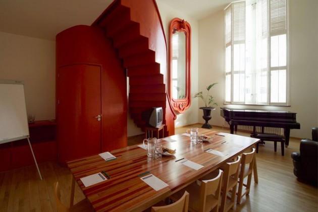Atelier van Lieshout Lensvelt AVL Shaker Chair & AVL Shakers table - Lloyd Hotel Amsterdam