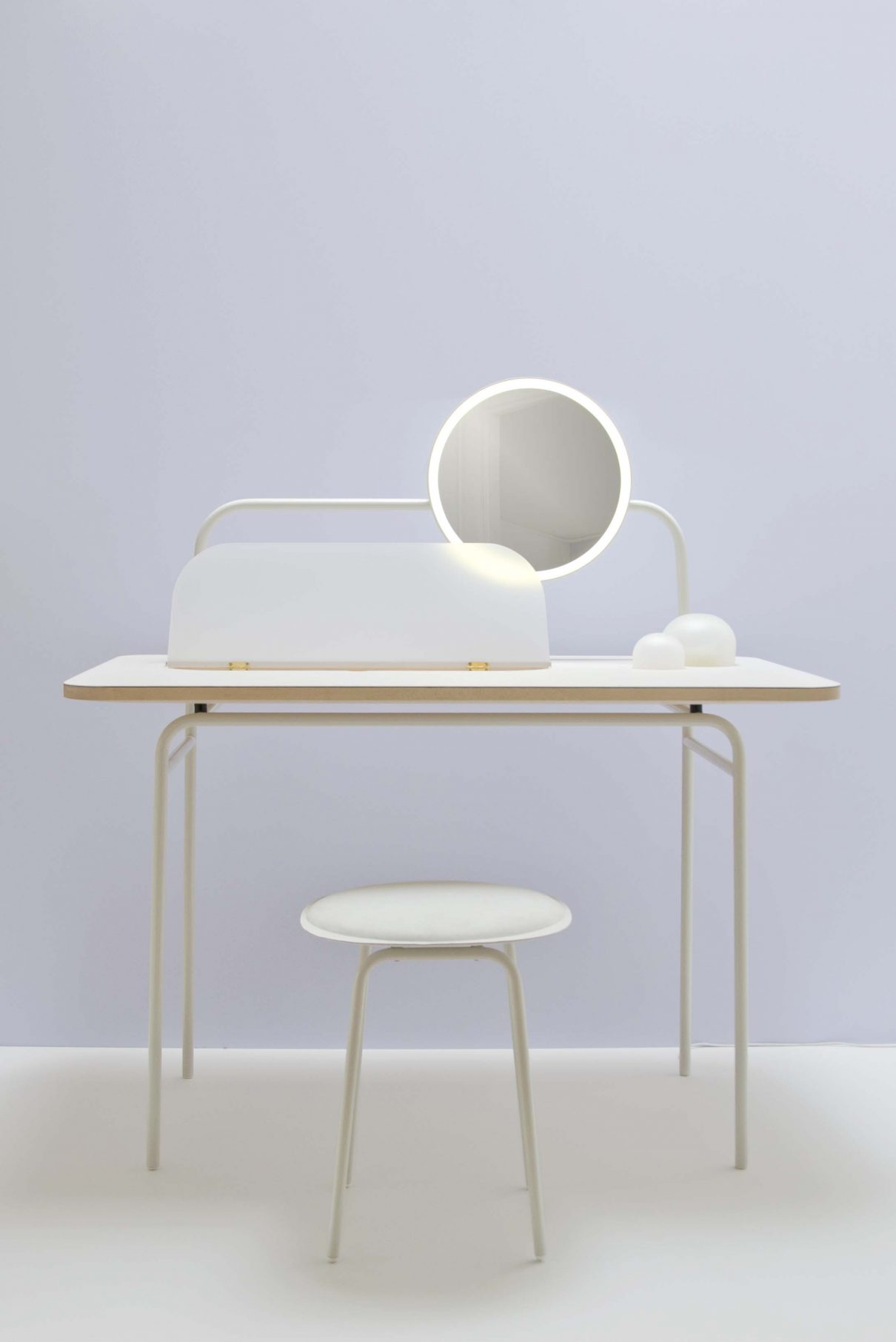 Morning dew dressing table van studio wm gimmii - Kruk voor dressing ...
