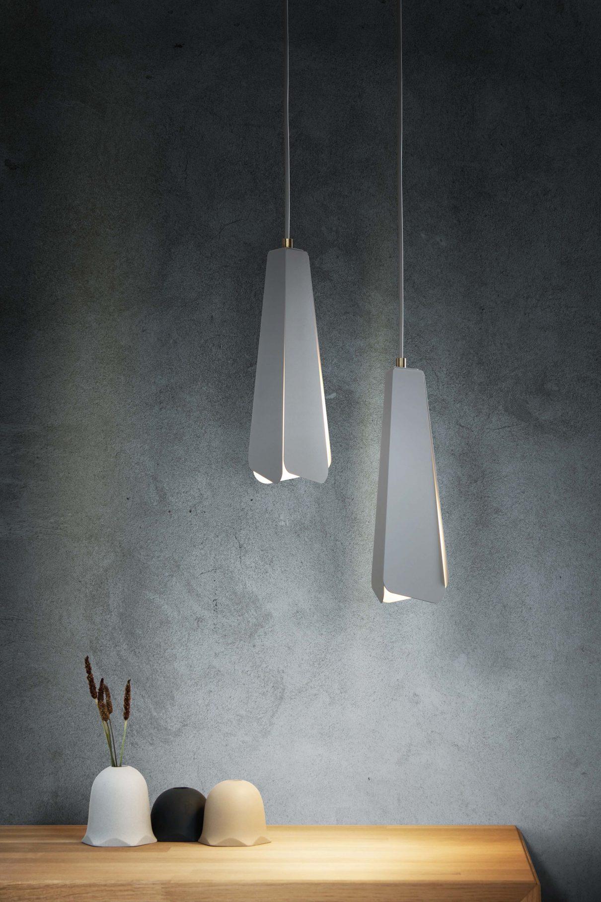 Minimalistische hanglamp met overlappingen en kieren