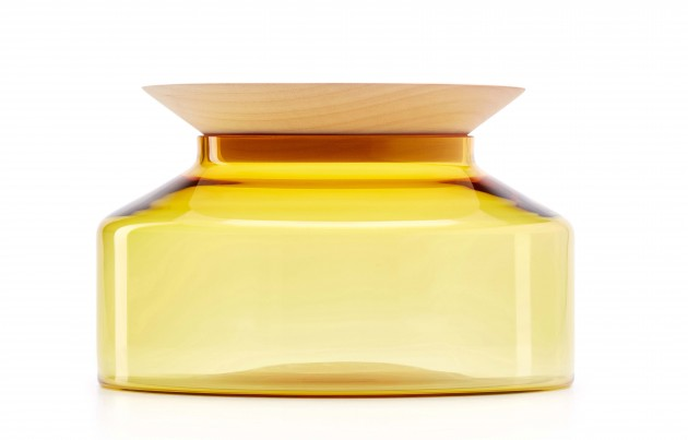 Presentation platter Novecento Large maple & yellow glass by Ontwerpduo - Gimmii